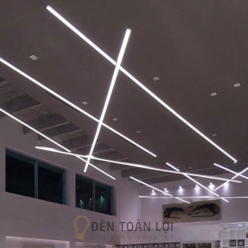 Đèn Thả: Mẫu đèn thả văn phòng nhôm tốt 2m4 hàng gia công chất lượng cao