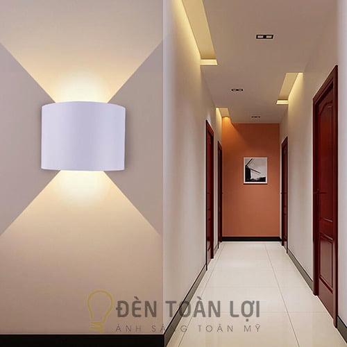 Đèn Vách: Mẫu đèn vách hắt tường 2 tia trên dưới trang trí cầu thang